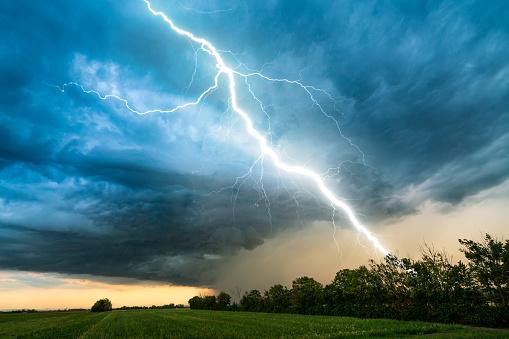 Chiusura scuole pubbliche e private e Cimitero Comunale per condizioni meteo avverse